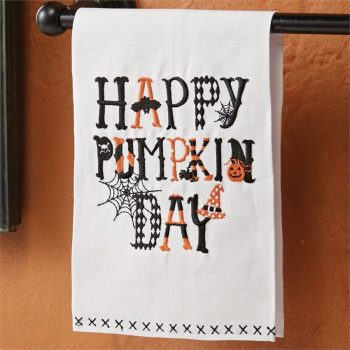 happy-pumpkin-day-towel